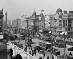 View of O'Connell Bridge and monument, Dublin, 1928 [2000 × 1504]