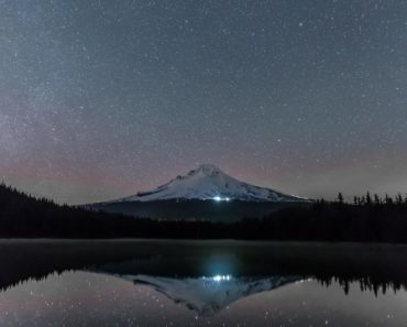 A cold night at Trillium Lake, Oregon. [OC][2048×1365]