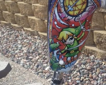 Prosthetic leg Zelda artwork