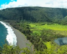 Waipio Valley, Huge Island – Hawaii